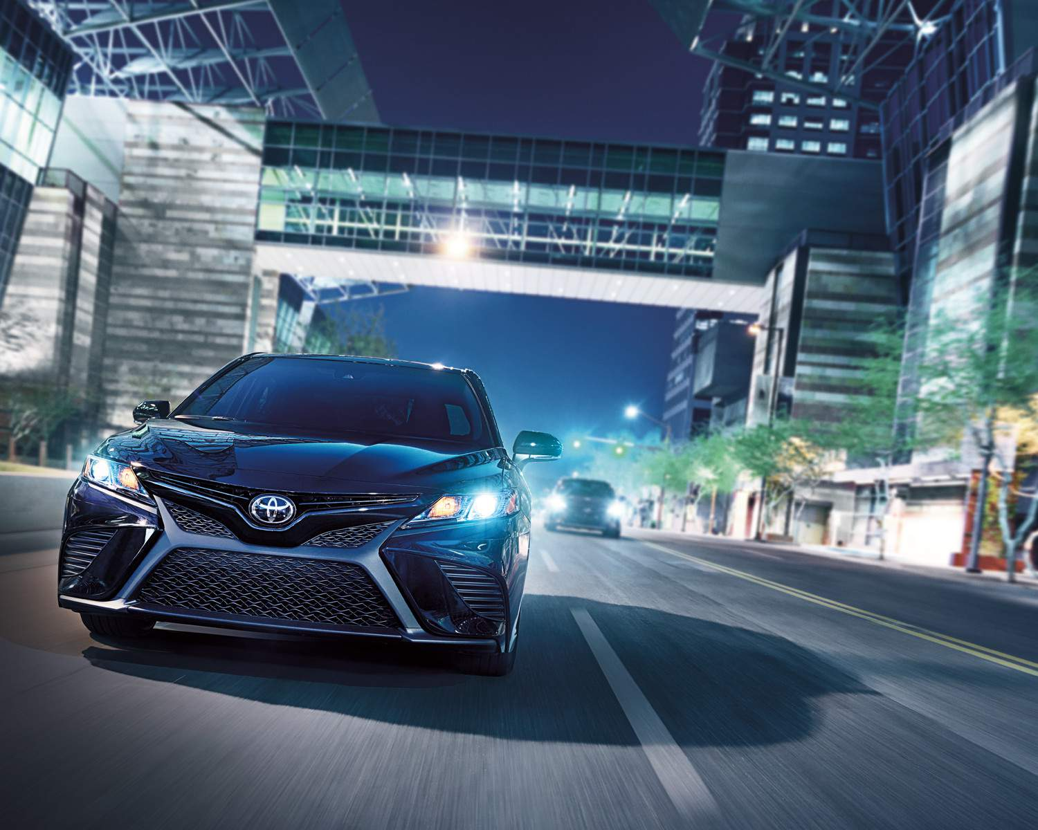 toyota-2018-camry-se-midnight-black-metallic-l