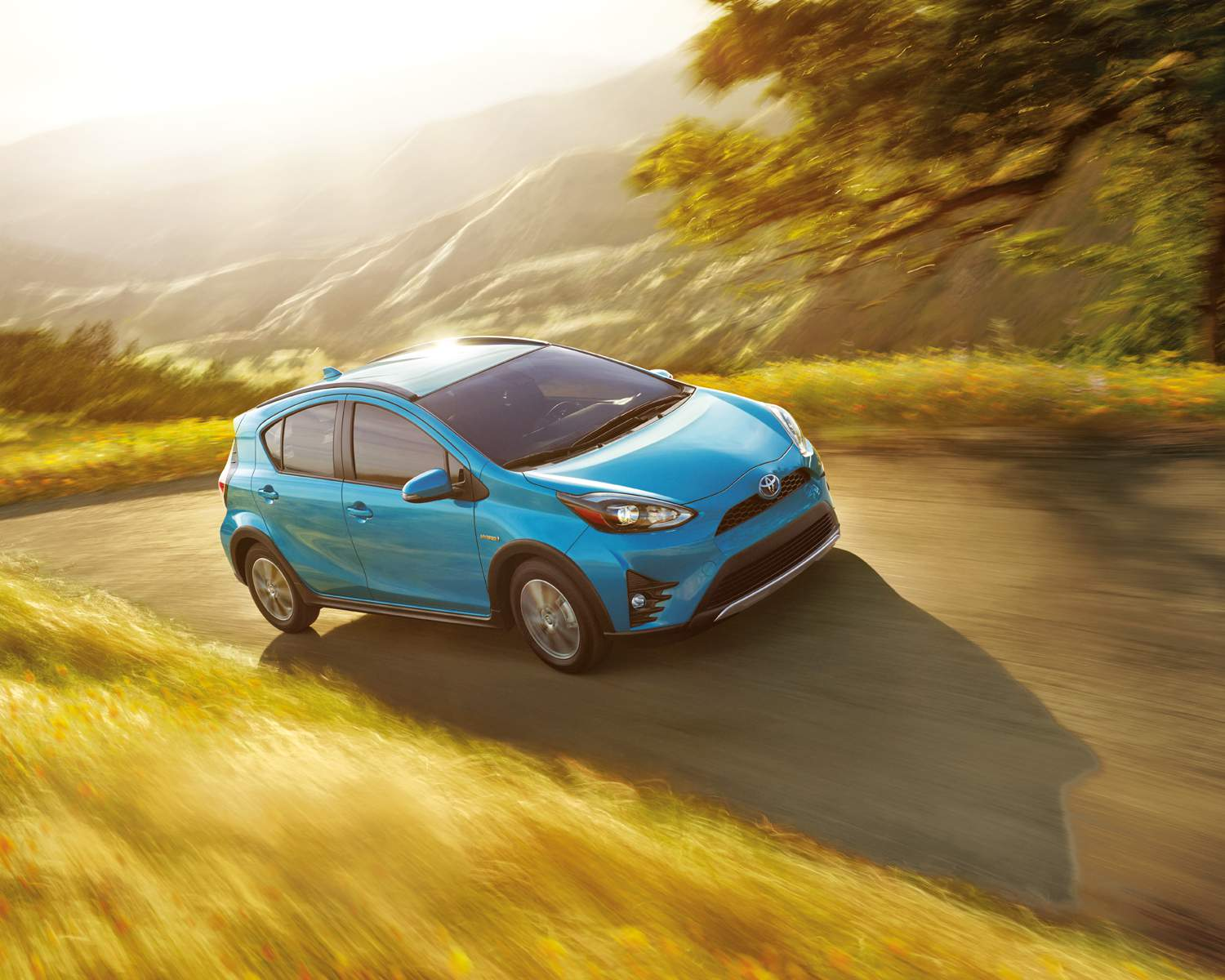toyota-2018-prius-c-technology-clear-emerald-pearl-l