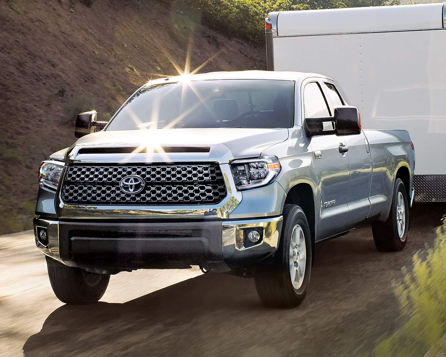toyota-2018-tundra-4×4-doube-cab-sr5-plus-long-bed-silver-sky-metallic-l