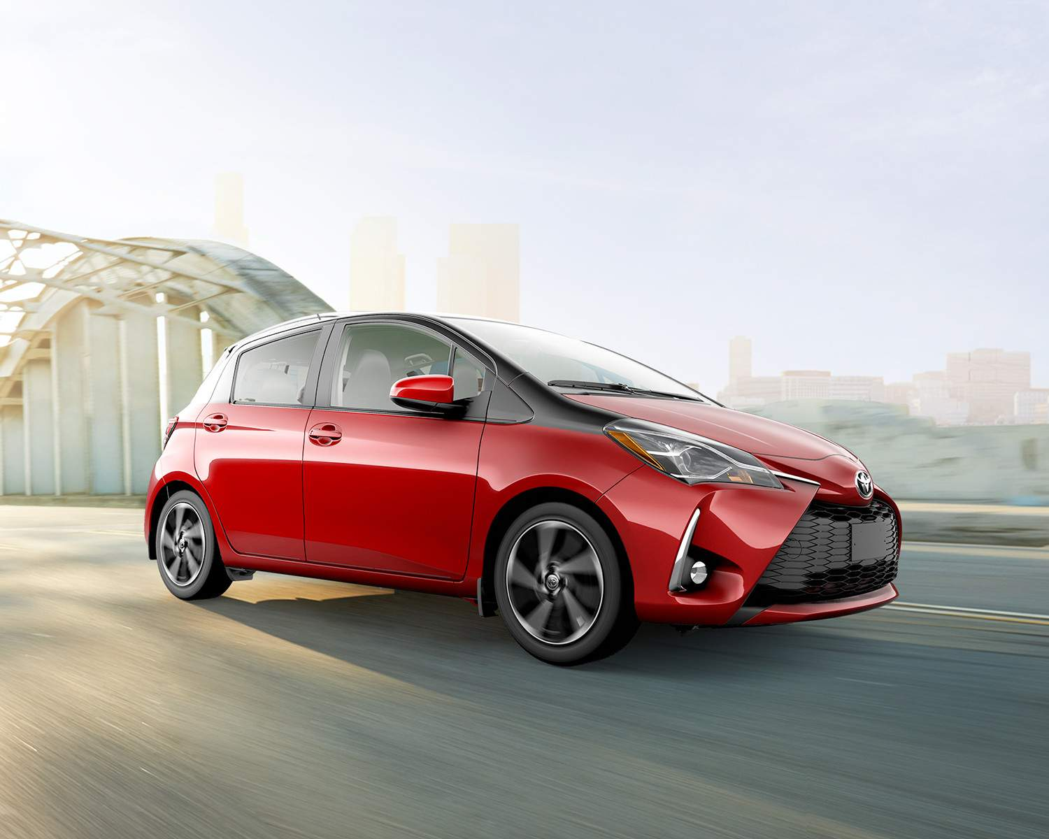toyota-2018-yaris-hatchback-exterior-ruby-flare-pearl-with-black-sand-pearl-l